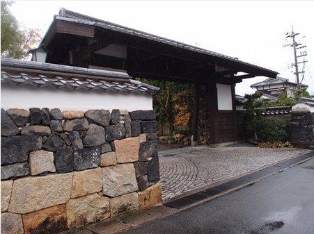 hokumonyashiki001